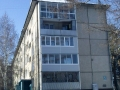 Застекленные балконы разного типа и отделка сайдингом