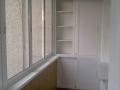 Застекленный балкон с раздвижными створками + шкафчики
